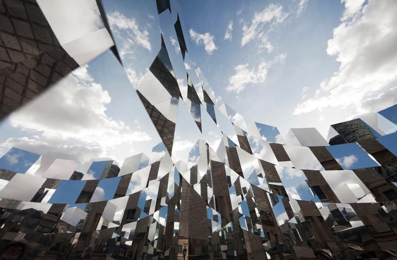 Mirror cube johnston architects for Mirror installation